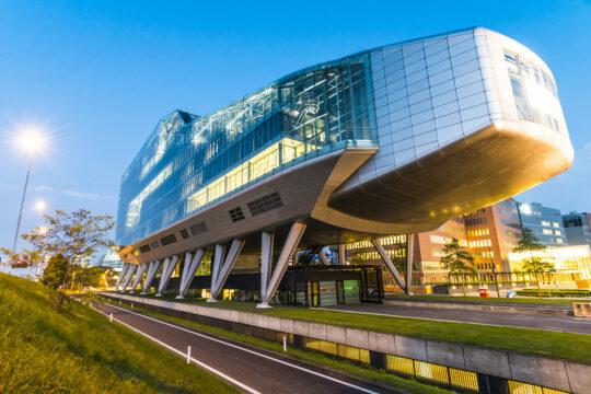 Simon-Kucher & Partners huurt 1.484 m² kantoorruimte in Infinity op de Zuidas te Amsterdam.